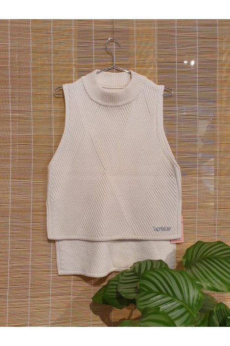 Pure merino sleeveless sweater